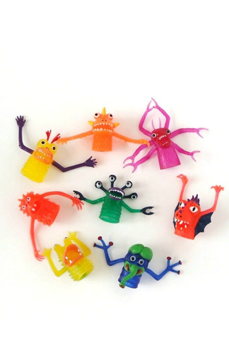These silly monster finger puppets are super versatile. They are perfect monster party favors, cake or cupcake toppers, photo booth props, puppet show actors, and just plain fun. #monsterparty #monsterbirthday