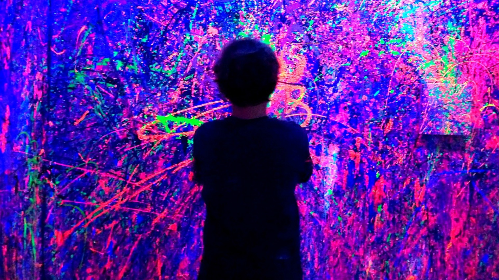 Smudge Studios has tons of fun art-themed parties from splatter paint to clay to tape art to upcycled records and more. // The Ultimate List of Kid-Friendly Party Venues in Austin - Over 50 birthday party venues in Austin for babies, toddlers, and preschoolers sorted by location and price. Plus an interactive map to find your closest-to-home options. #austintexas #atx #austintx