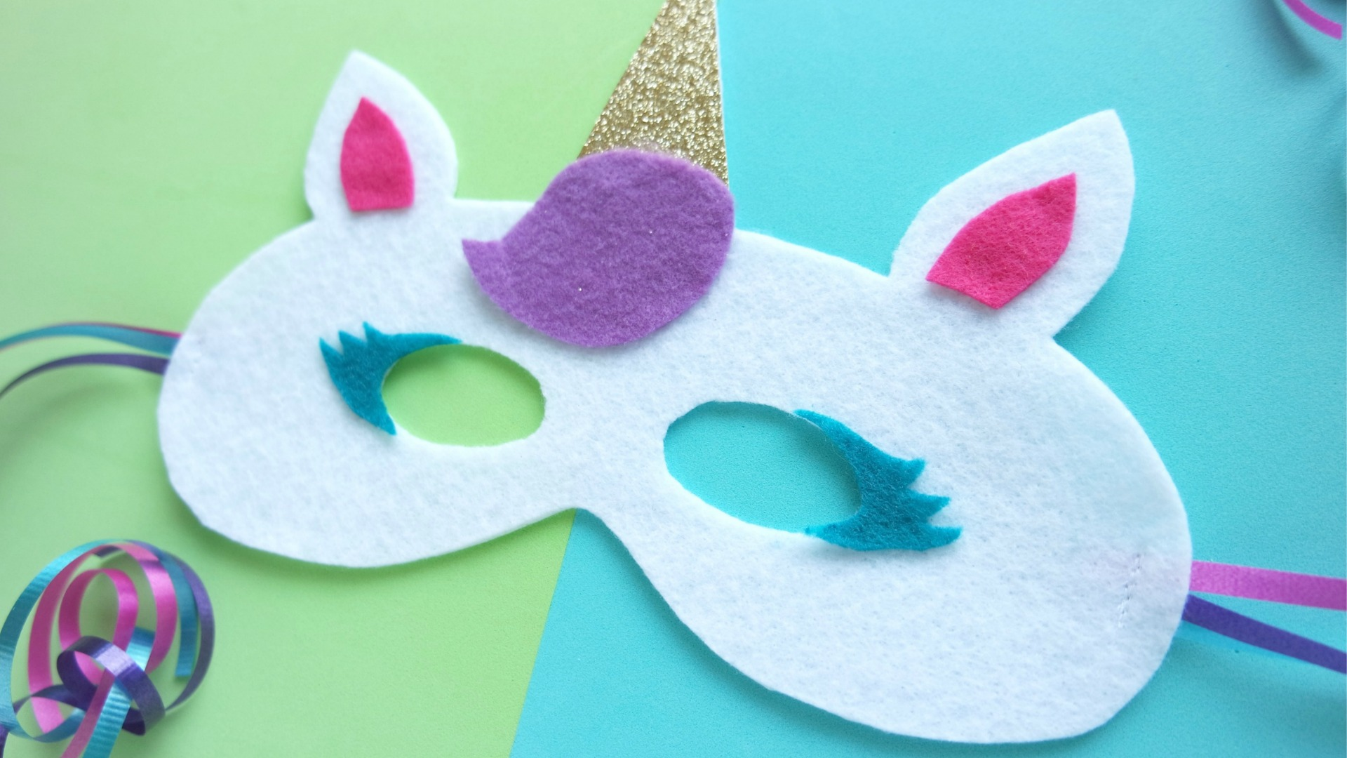 DIY Unicorn Mask Template - free pattern to make your own felt unicorn mask. Perfect for unicorn birthday party favors too! // unicorn party favor, felt unicorn mask, #unicornmask #feltmask #toddlerbirthday #unicornparty #unicornbirthday #unicorncostume